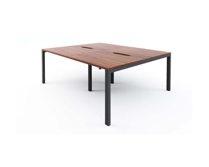 Mezza 4 Person Bench Desk System